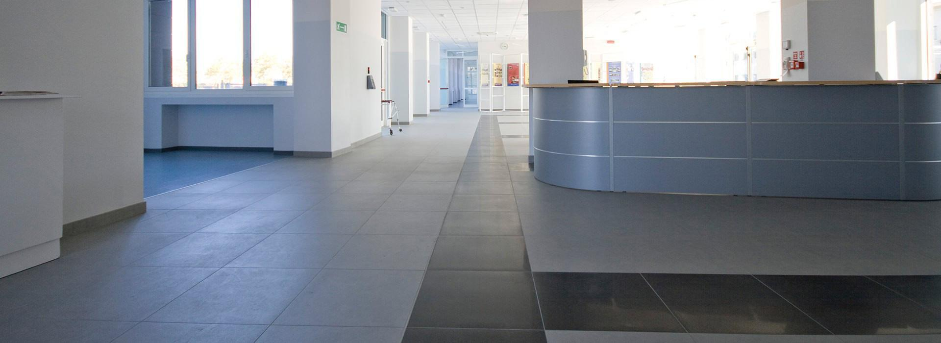 Antracite Rocce, black concrete effect porcelain tiles